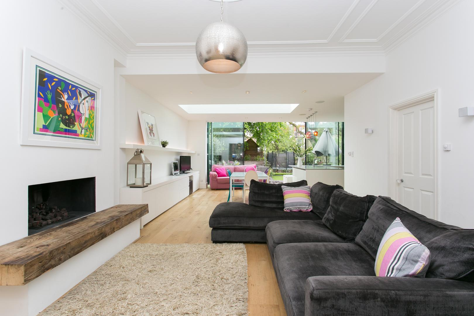 Property Image 1 - Bright Contemporary Chiswick Home with Private Garden