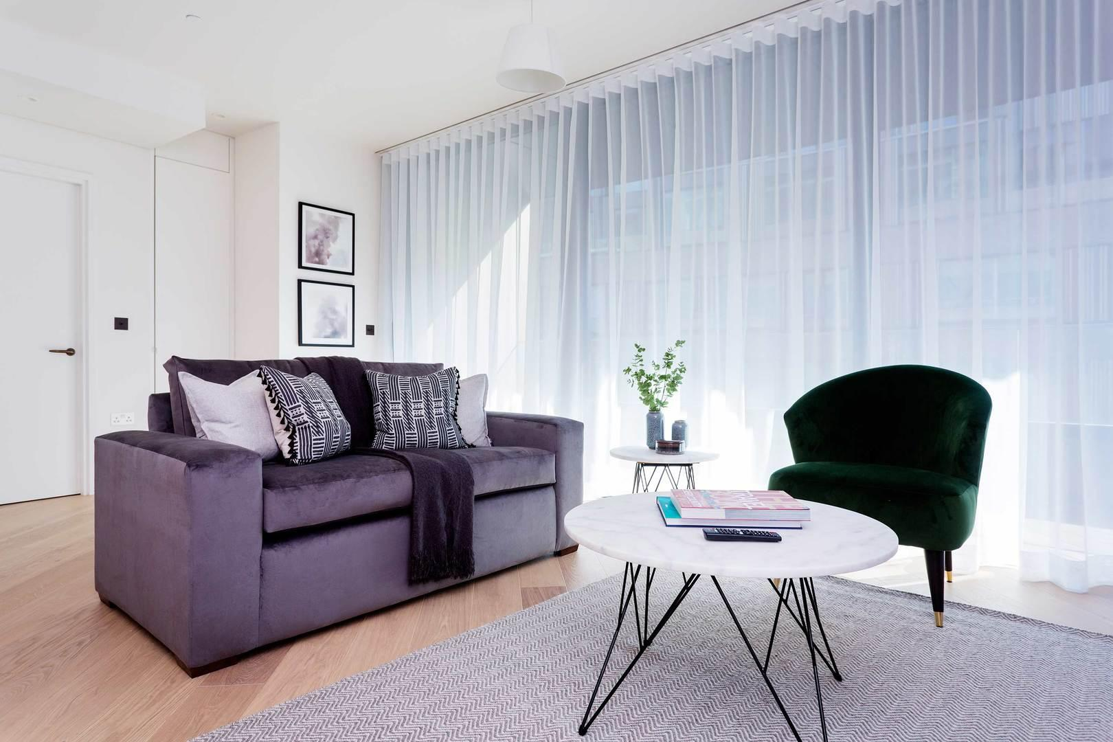 Property Image 1 - Attractive Shepherd's Bush Apartment in Iconic Building