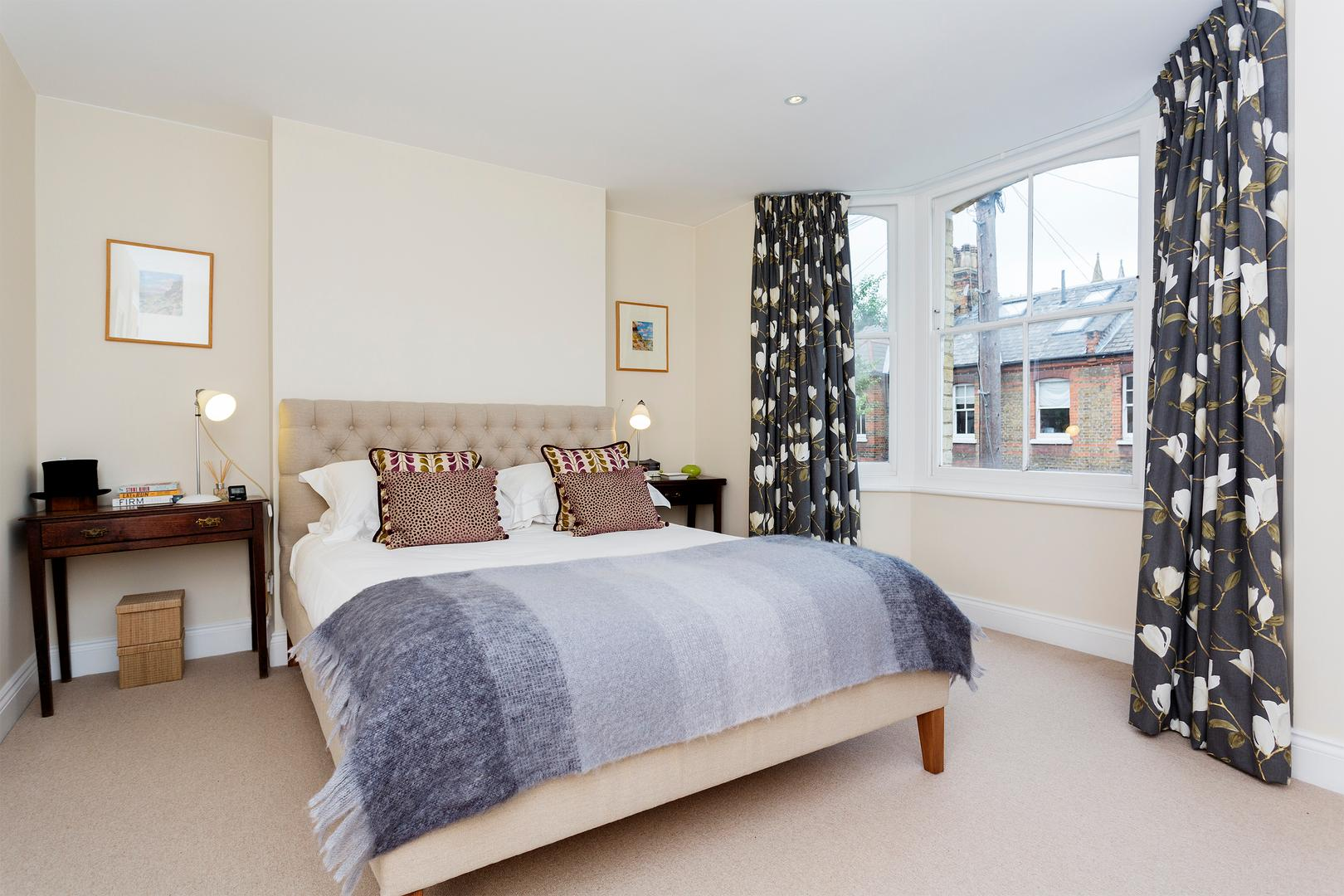 Property Image 1 - Bright, Inviting Battersea Home, Perfect for Families