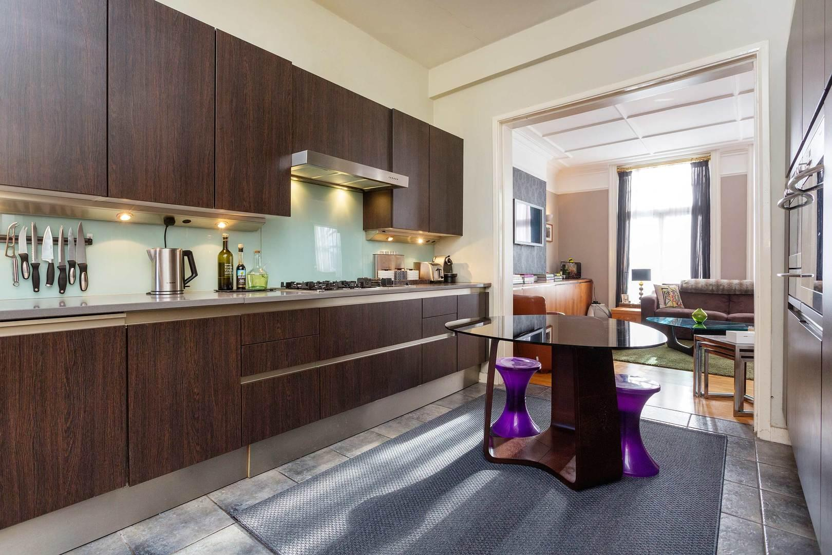 Property Image 1 - Sleek Apartment in Desirable West Hampstead Location