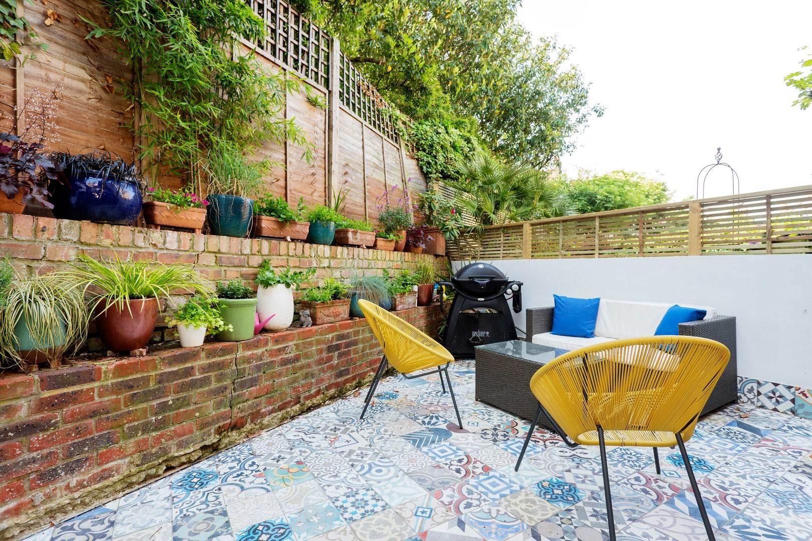 Colourful Trendy Islington House with Patio Garden