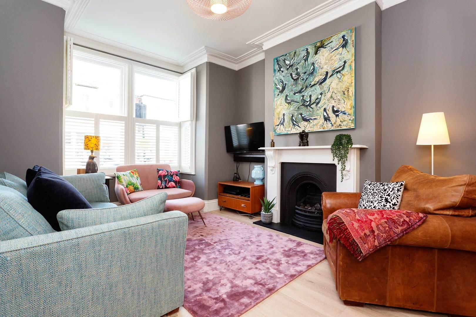Property Image 2 - Colourful Trendy Islington House with Patio Garden