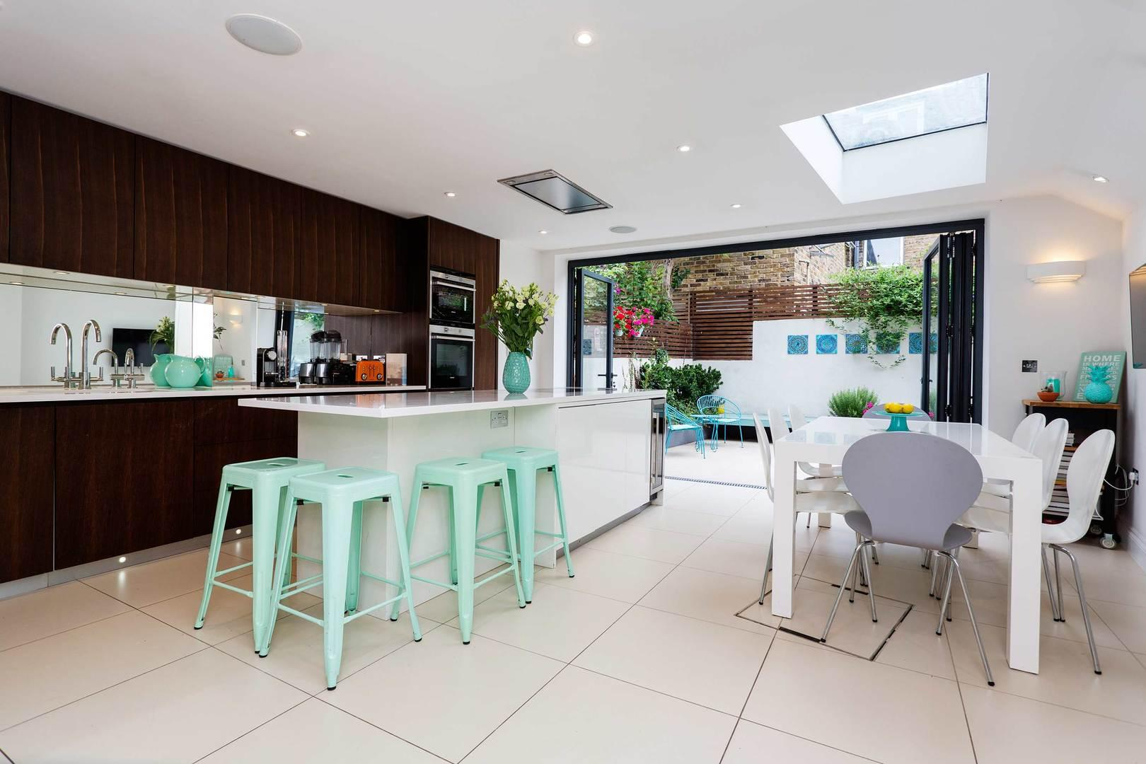 Property Image 1 - Stunning Tasteful House in Upmarket Fulham Location