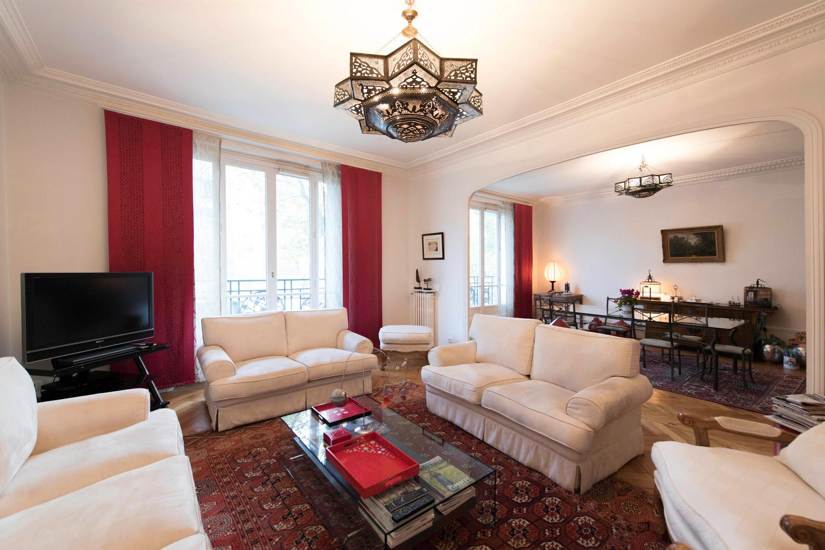Property Image 1 - Magnificent Apartment with Spacious and Cozy Interior
