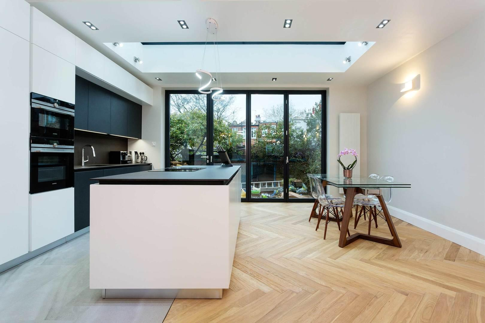 Property Image 1 - Sleek and Bright East Finchley House with Patio Garden