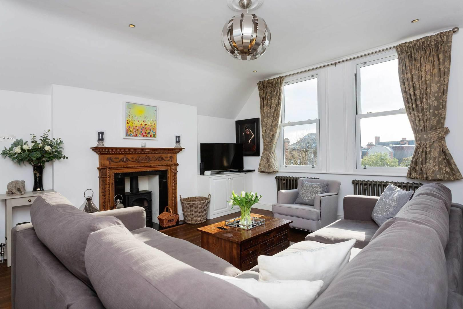 Property Image 2 - Charming Apartment in Desirable Wimbledon Location