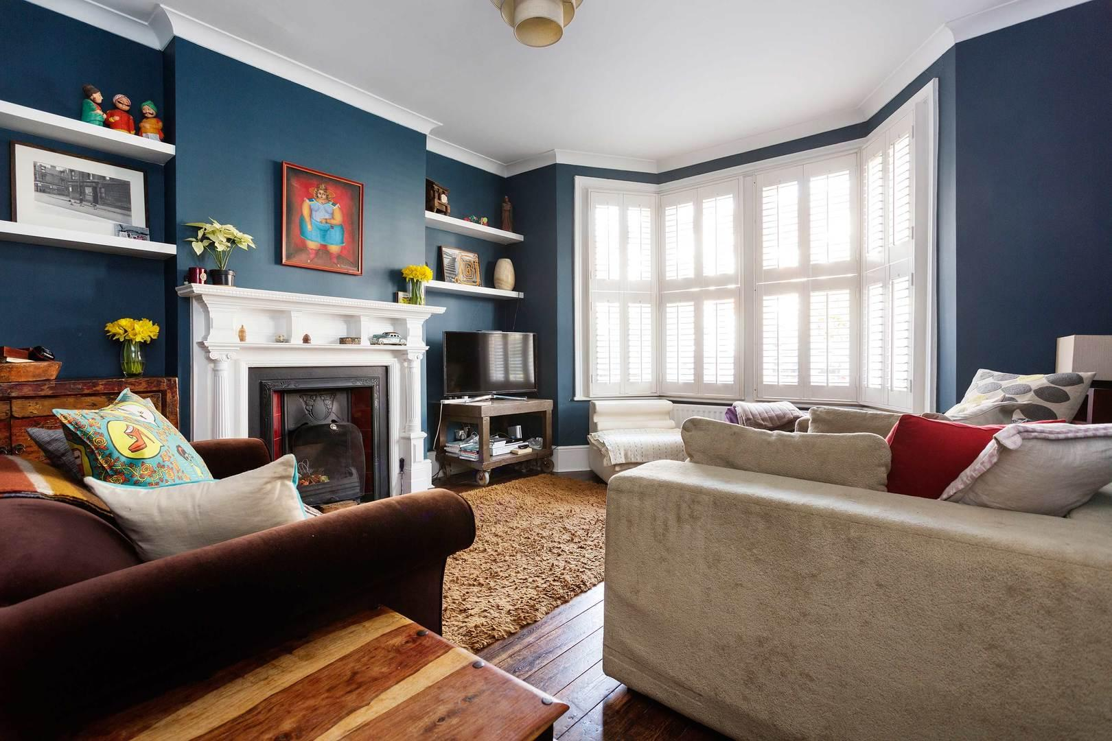 Property Image 2 - Colourful Inviting West London Home Ideal for Families