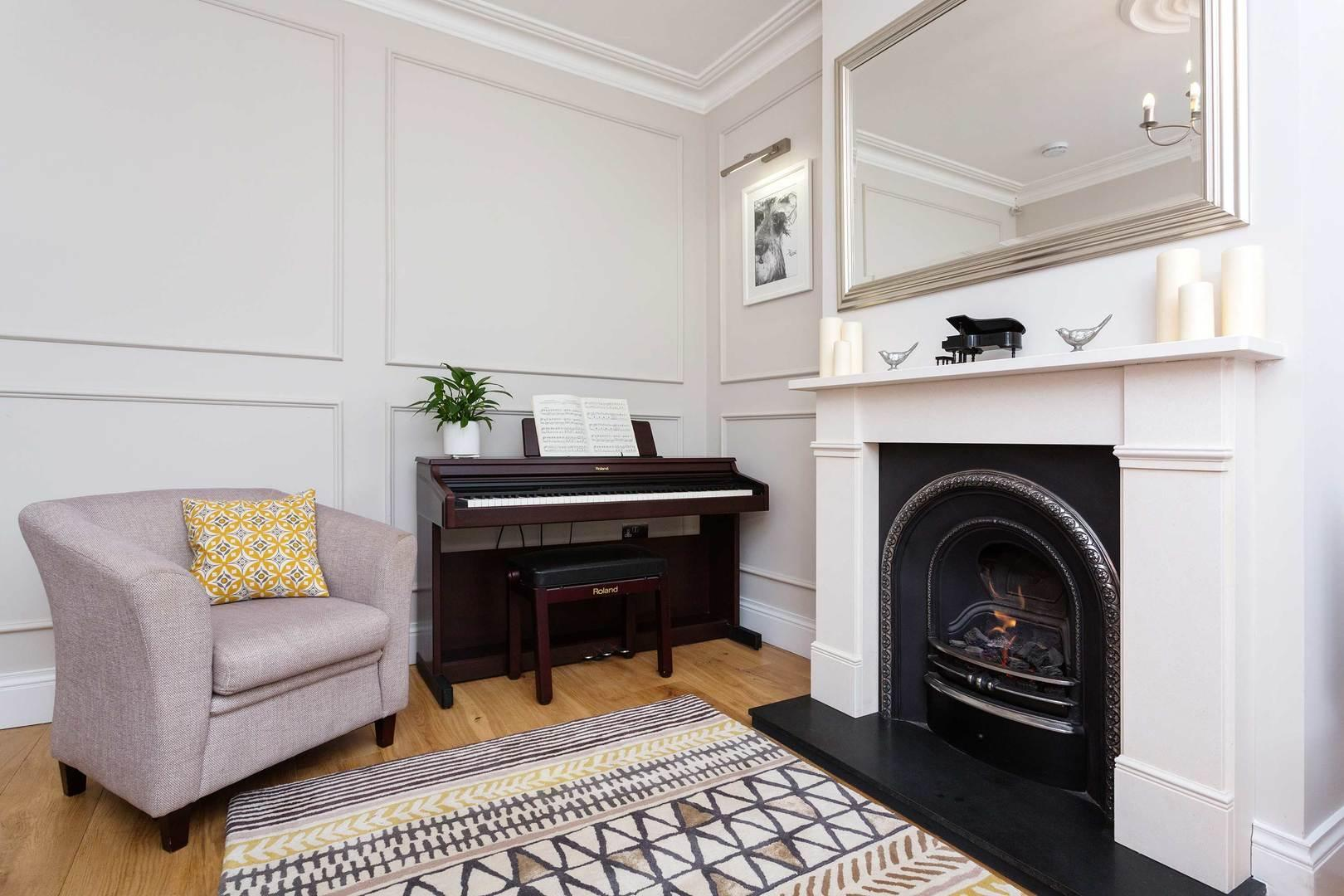 Property Image 1 - Stylish Chiswick Apartment with Large Social Spaces