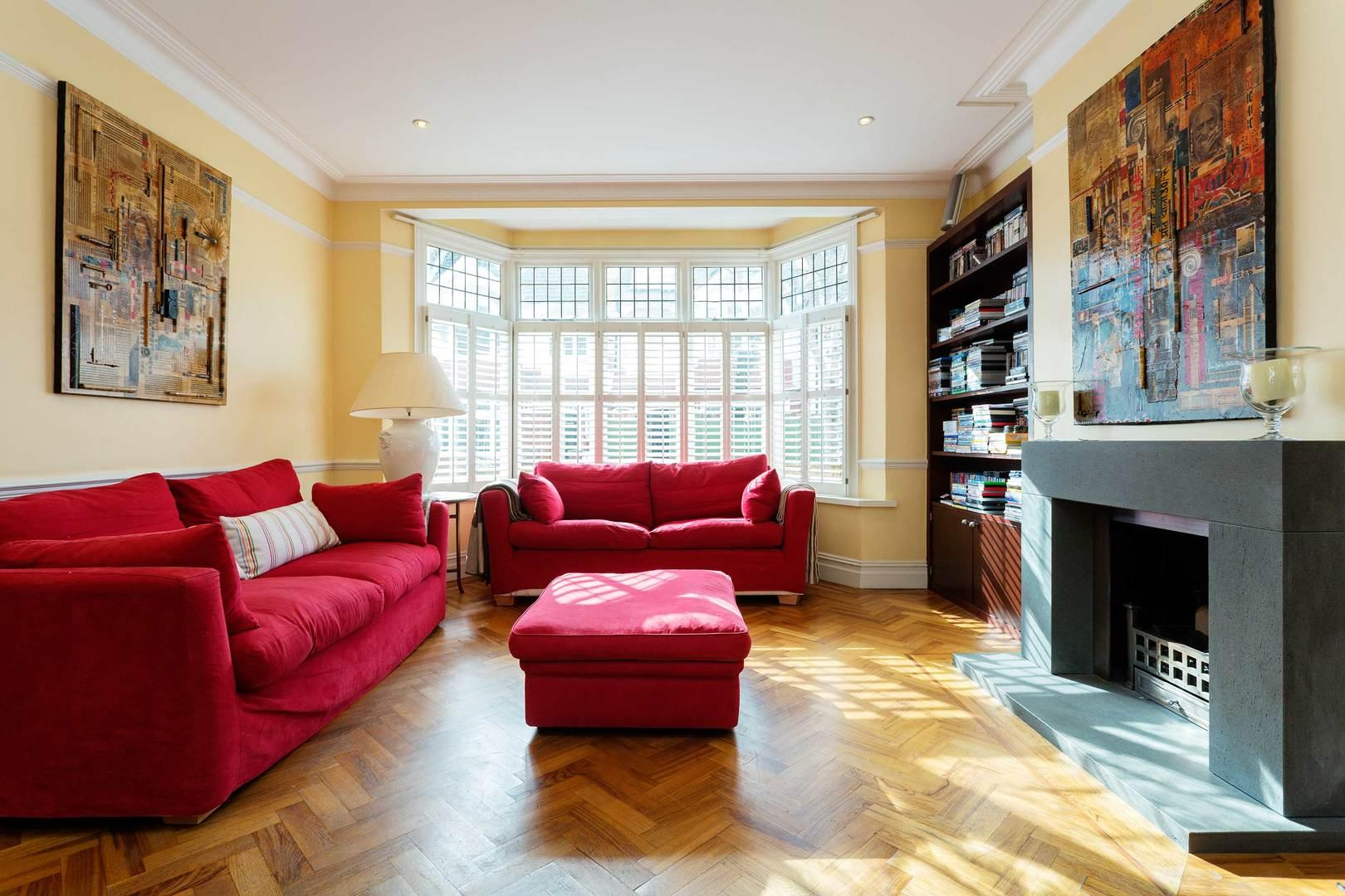 Property Image 1 - Spacious 6 bedroom House with Large Playroom in Clapham