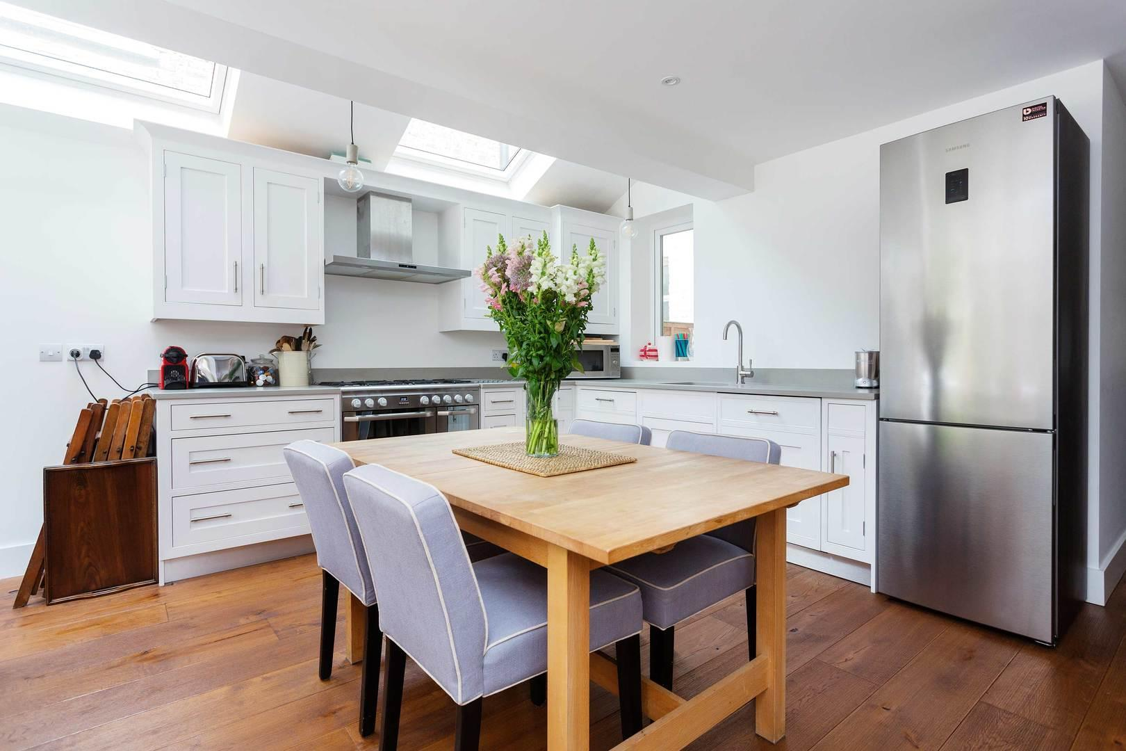 Property Image 2 - Handsome Shepherd's Bush Apartment with Patio Garden