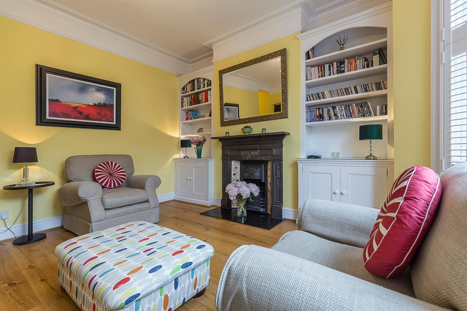 Property Image 2 - Colourful Garden Flat in Trendy Fulham Neighbourhood