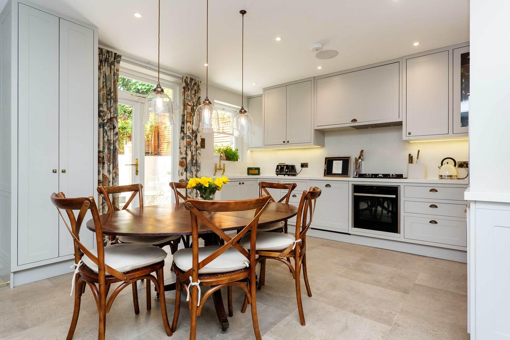 Property Image 2 - Stylish Putney Home by the River with Attractive Garden