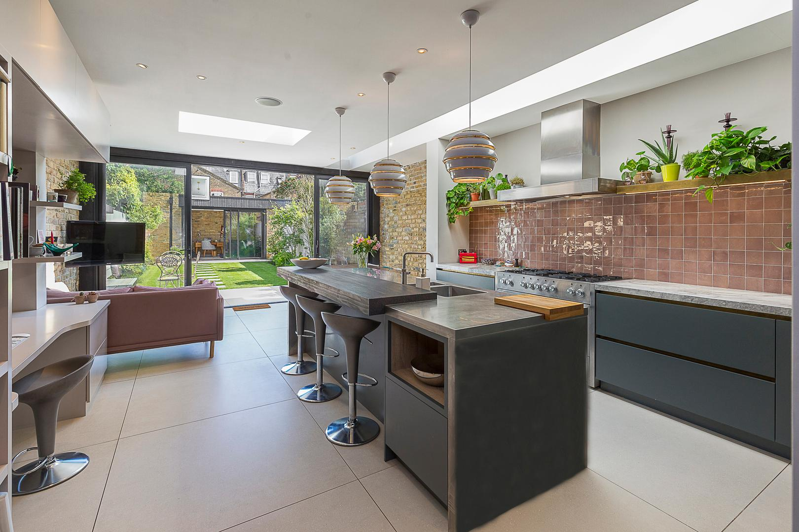 Property Image 1 - Impeccable Fulham Home with Large Garden by the River