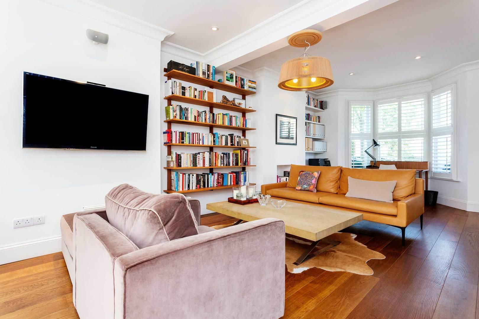 Property Image 2 - Chic Bright Fulham Family Home with Garden near Tube