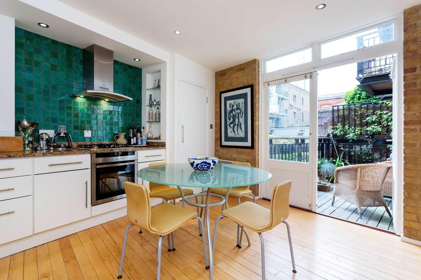 Property Image 1 - Spacious Chic London Bridge House Outside Space