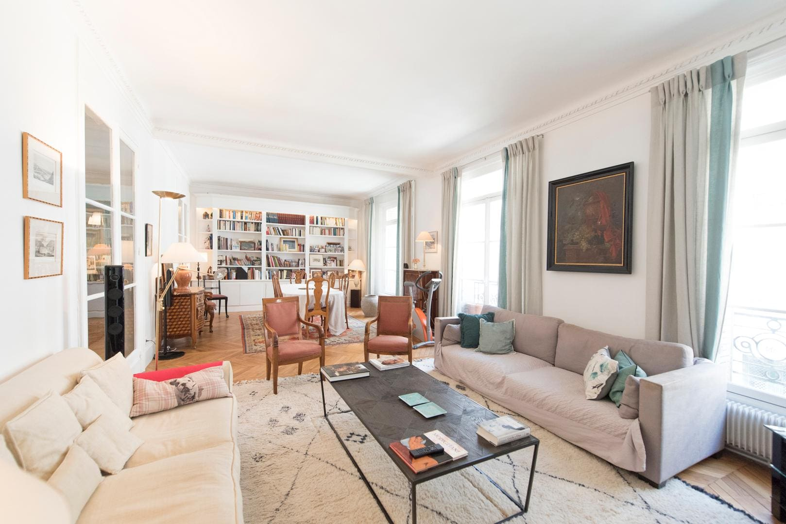 Property Image 2 - Spacious Inviting Apartment in the 16th near the Seine