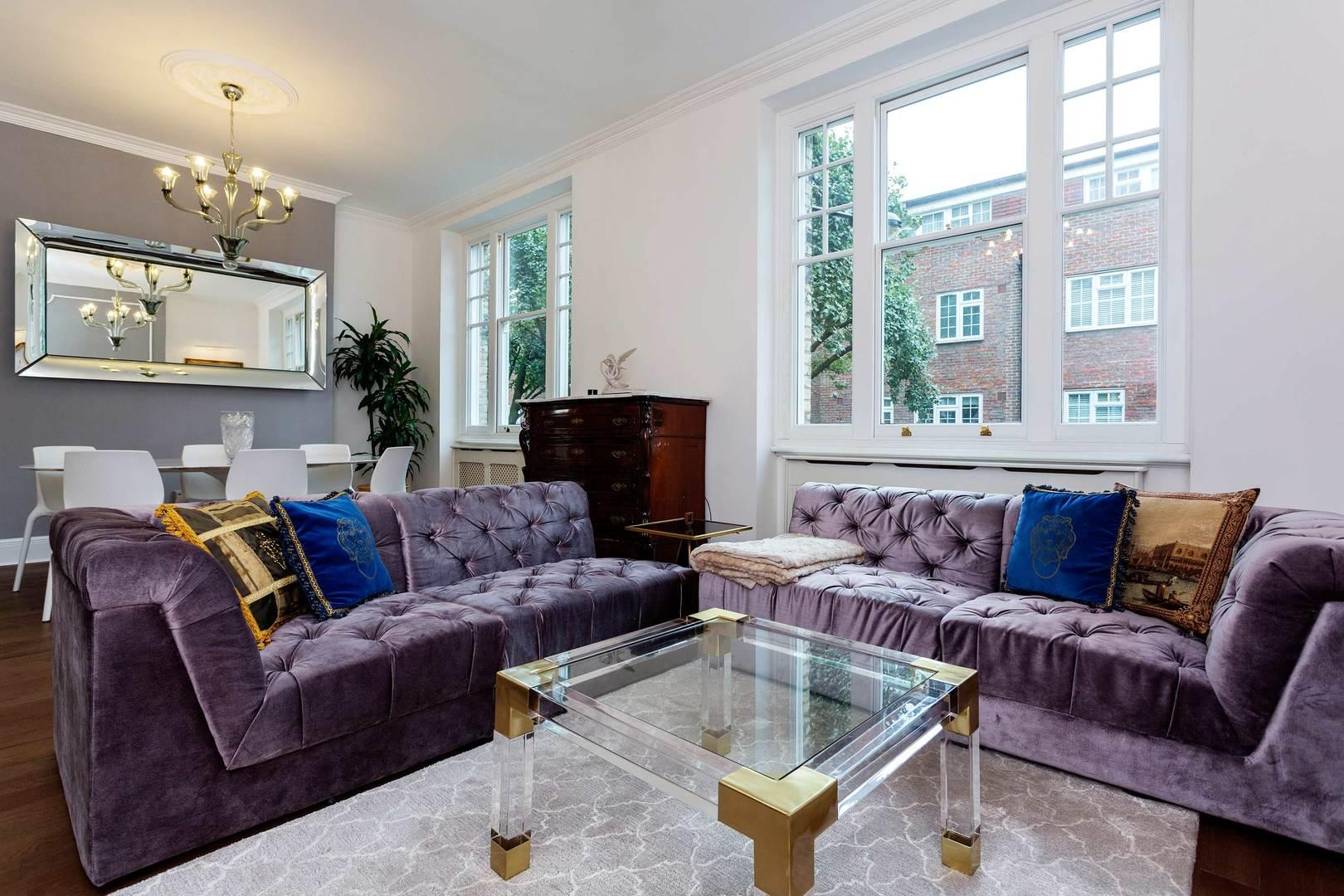 Property Image 1 - Luxurious Regents Park Apartment with Private Balcony