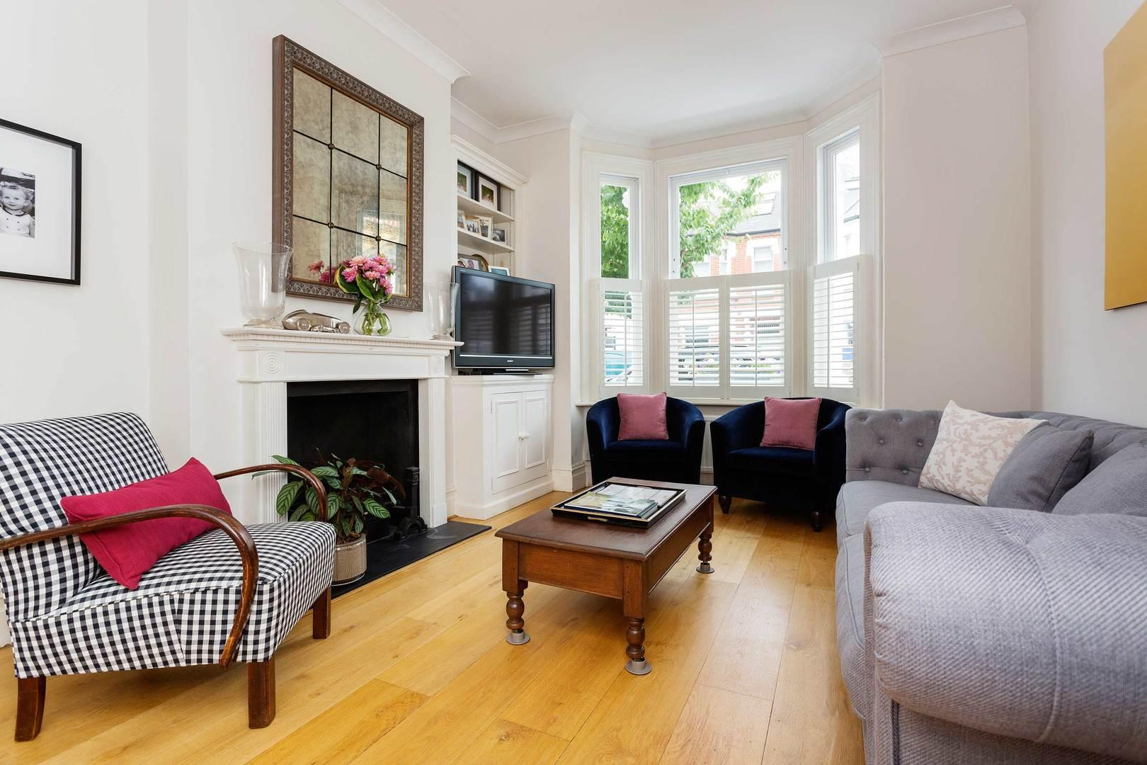 Property Image 1 - Stylish Peaceful Family House in Wandsworth Area