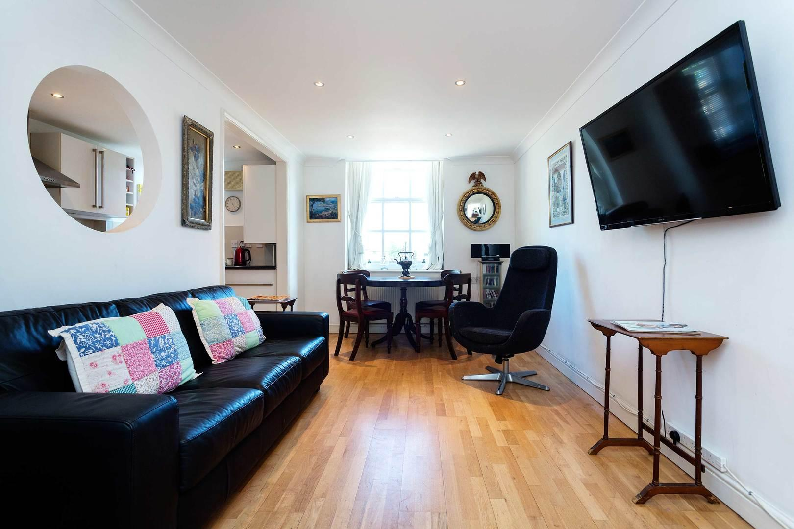 Property Image 2 - Classic Chic Notting Hill Apartment with Private Garden
