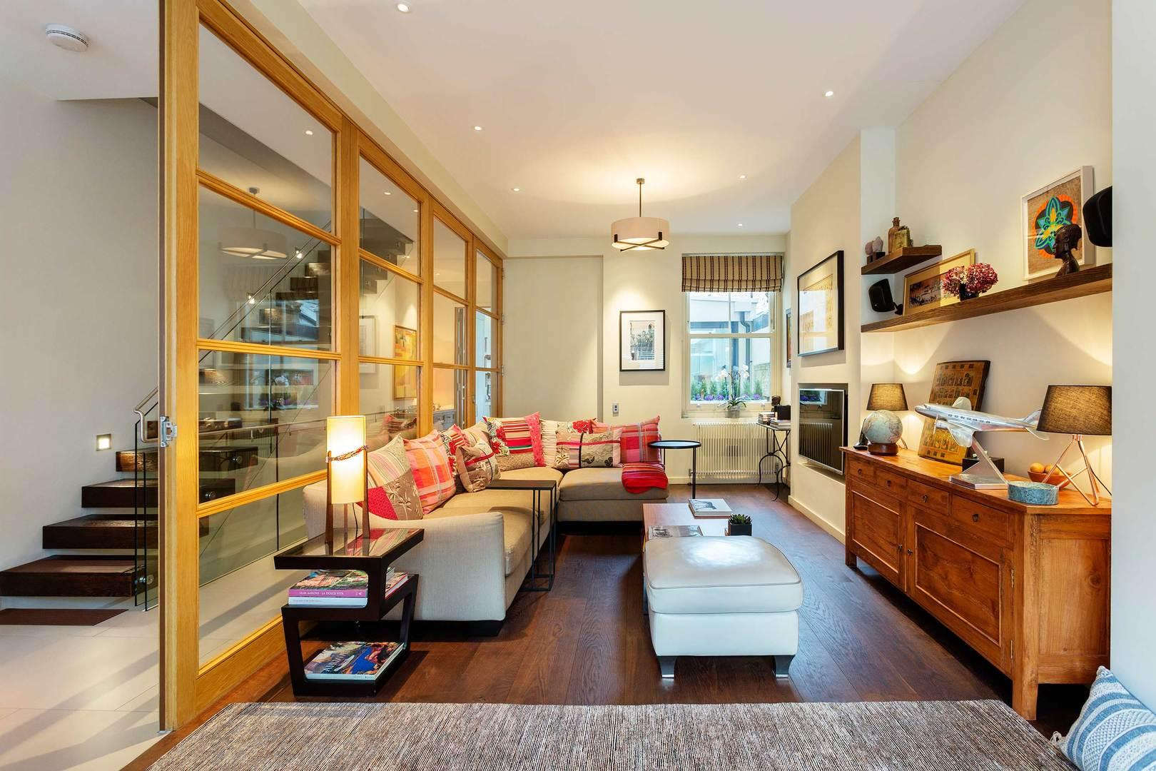 Property Image 2 - Decedant Fulham House with Private Cinema Room