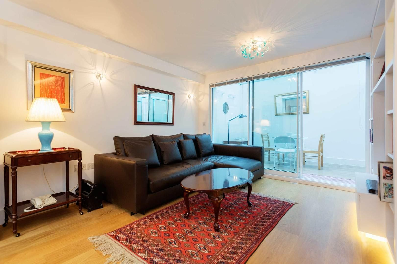 Property Image 2 - Contemporary Chic Apartment in Desirable Mayfair