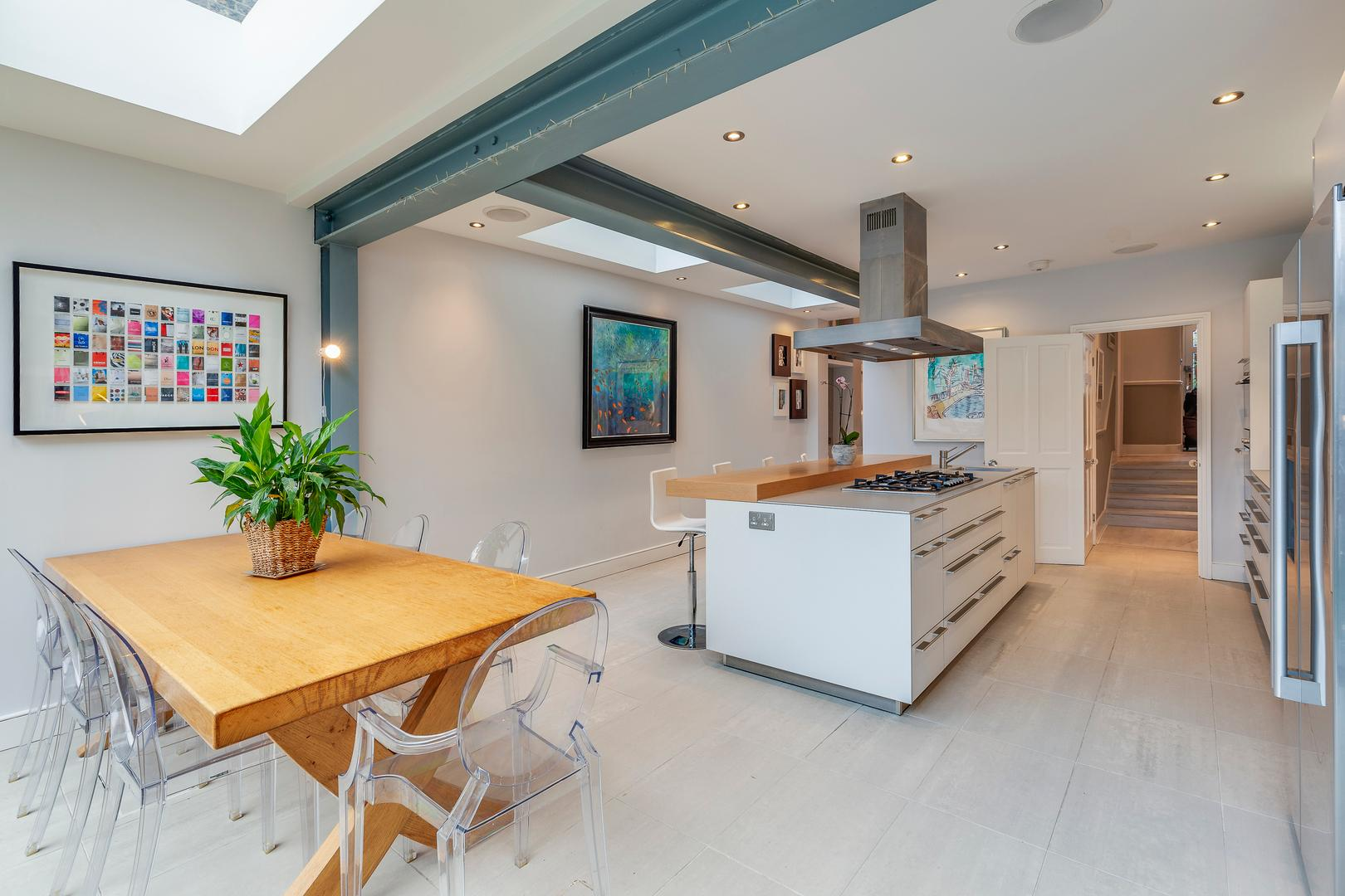 Property Image 1 - Chic Clapham House, 6 bedrooms with Private Garden