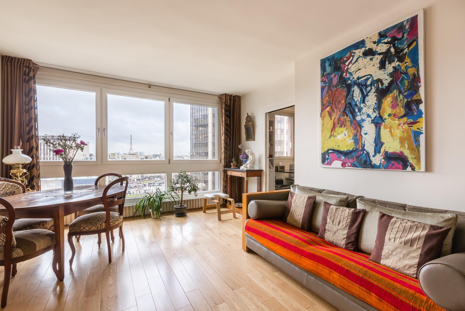 Property Image 1 - Exquisite Apartment Overlooking the Eiffel Tower