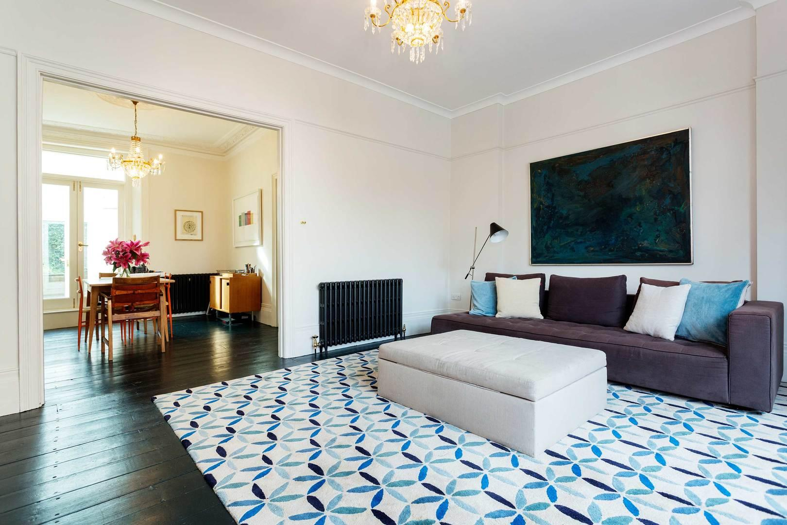 Property Image 2 - Fashionable Hammersmith House with Spacious Lounge