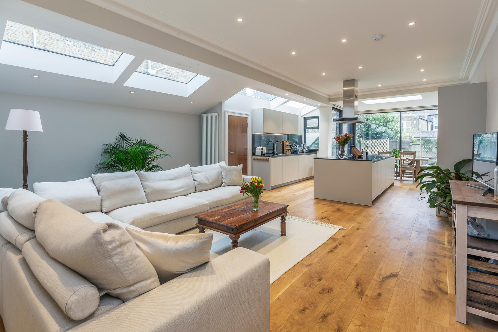 Property Image 1 - Stylish Maida Vale House with Spacious Master Suite