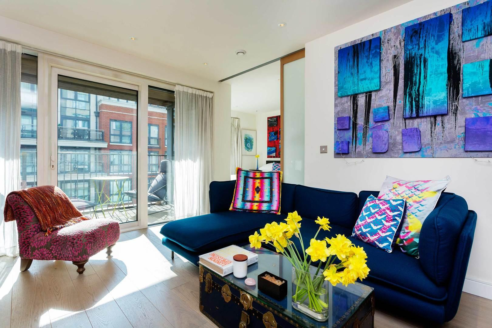 Property Image 1 - Upscale Chelsea Harbour Apartment with Balcony
