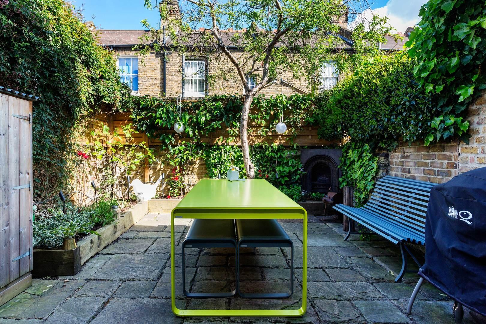 Smart Stylish Battersea House with Patio Garden