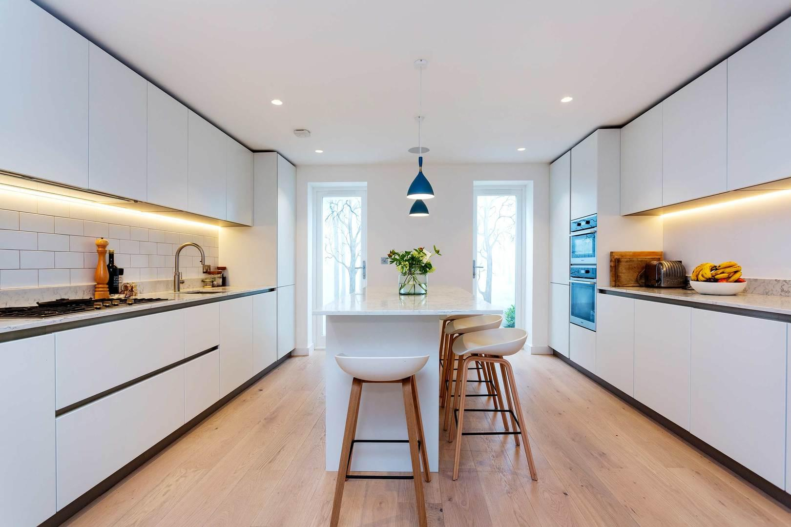Property Image 1 - Elegant Townhouse in Sought After Notting Hill Area
