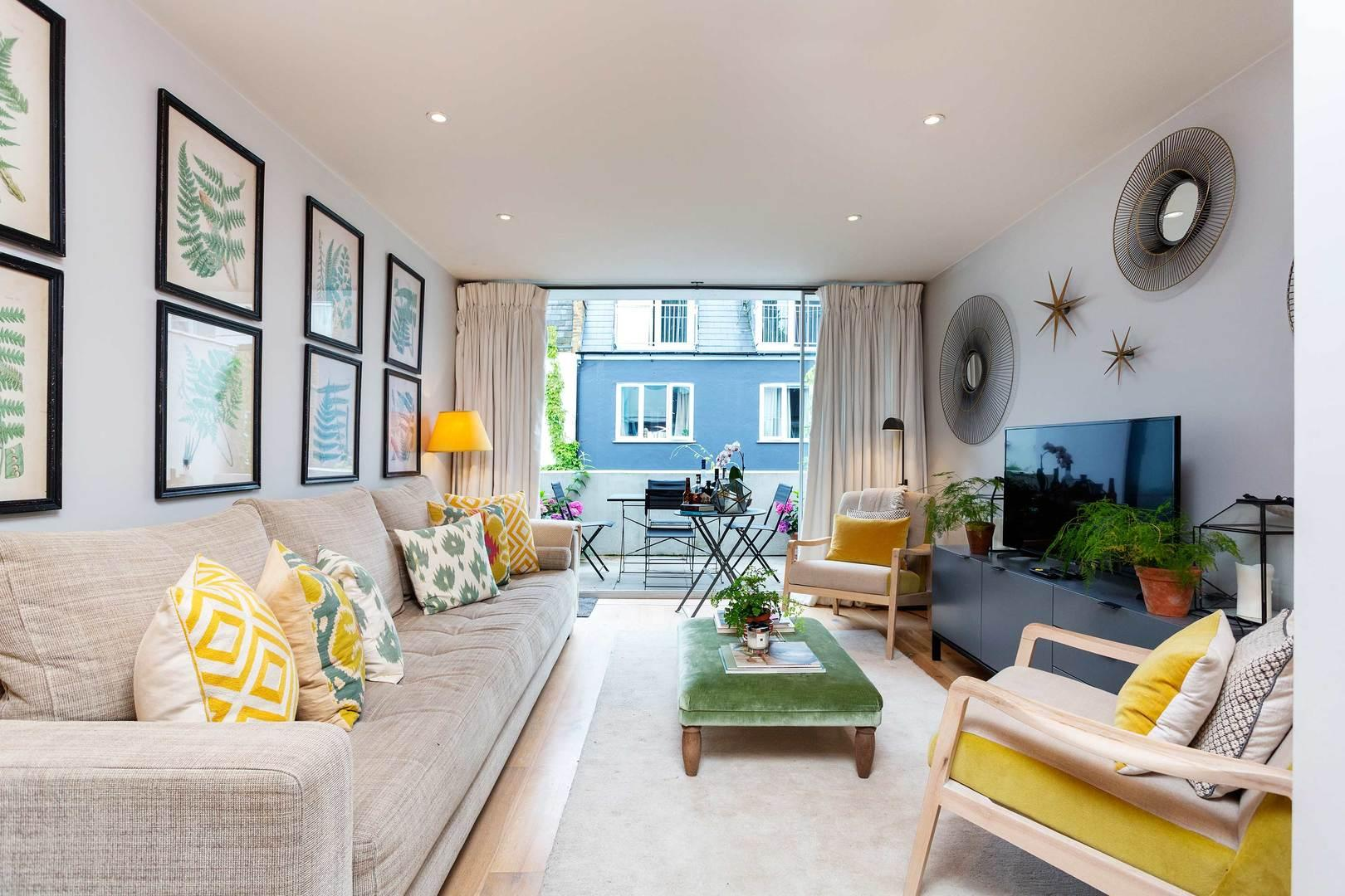 Property Image 1 - Modern Inviting Notting Hill Mews House with Terrace