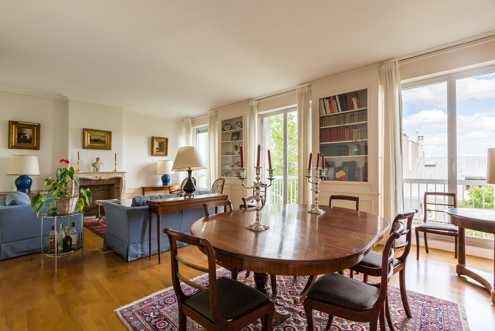 Property Image 2 - Traditional Apartment near the Seine and Eiffel Tower
