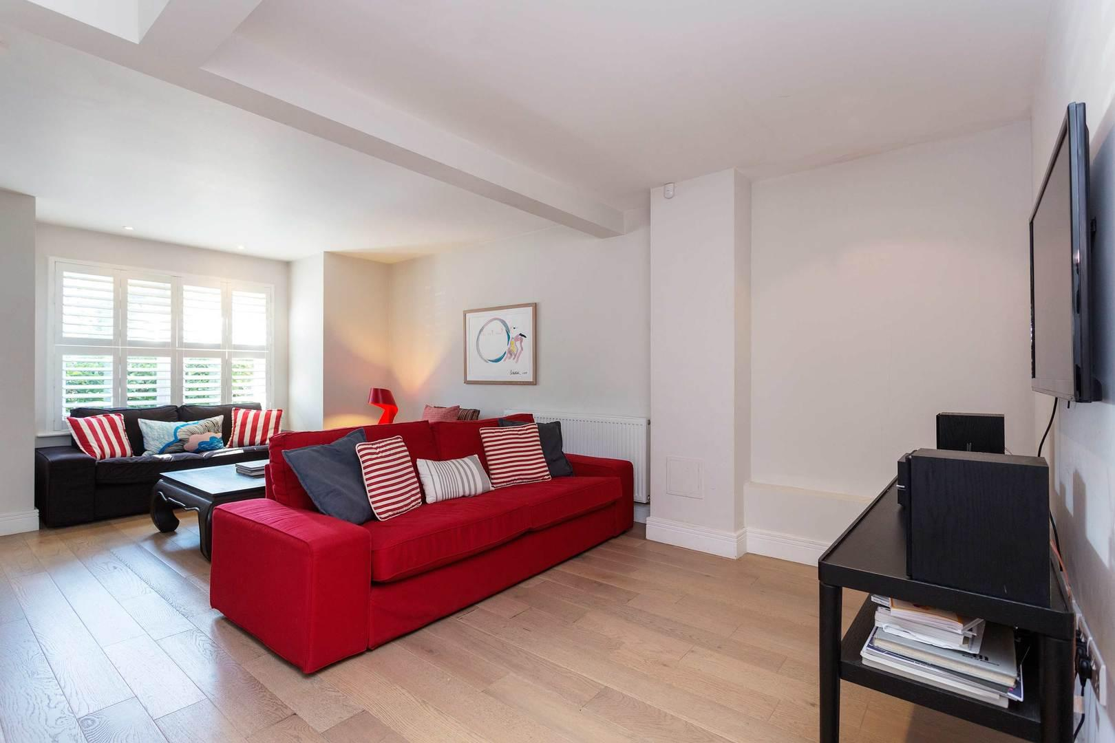 Property Image 2 - Bright Cosy Putney Family Home with Garden by the River