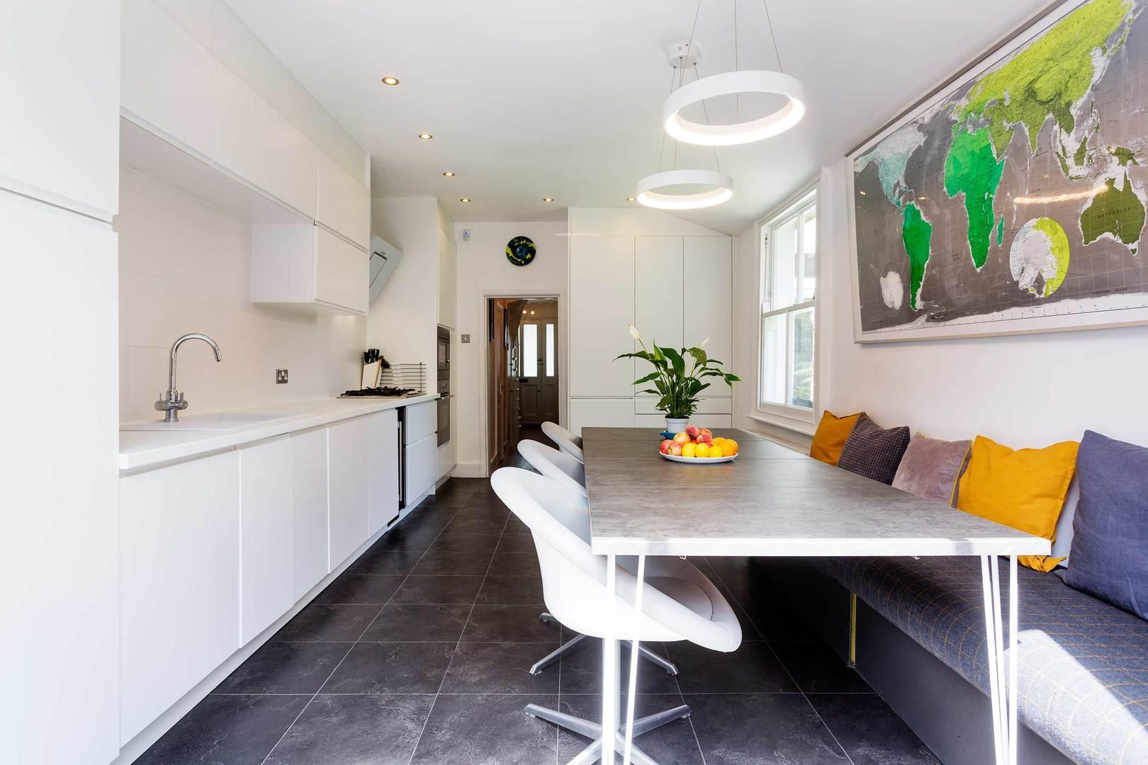 Property Image 1 - Attractive Modern Greenwich Home with Garden Studio
