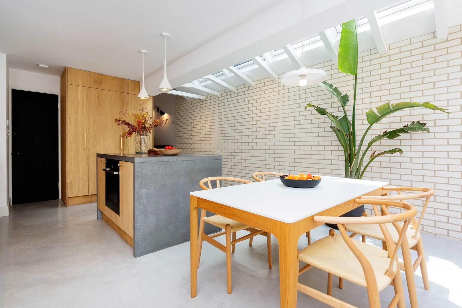 Property Image 2 - Chic Contemporary Islington Home with Luscious Garden
