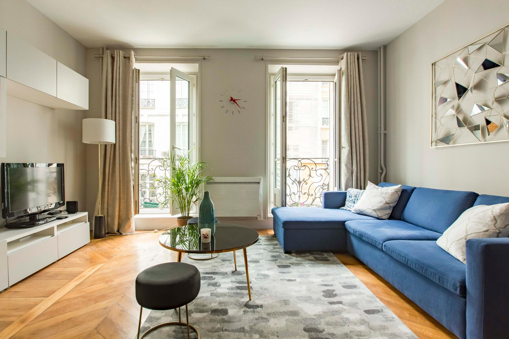 Property Image 1 - Fashionable Apartment in the 1st with Elegant Décor