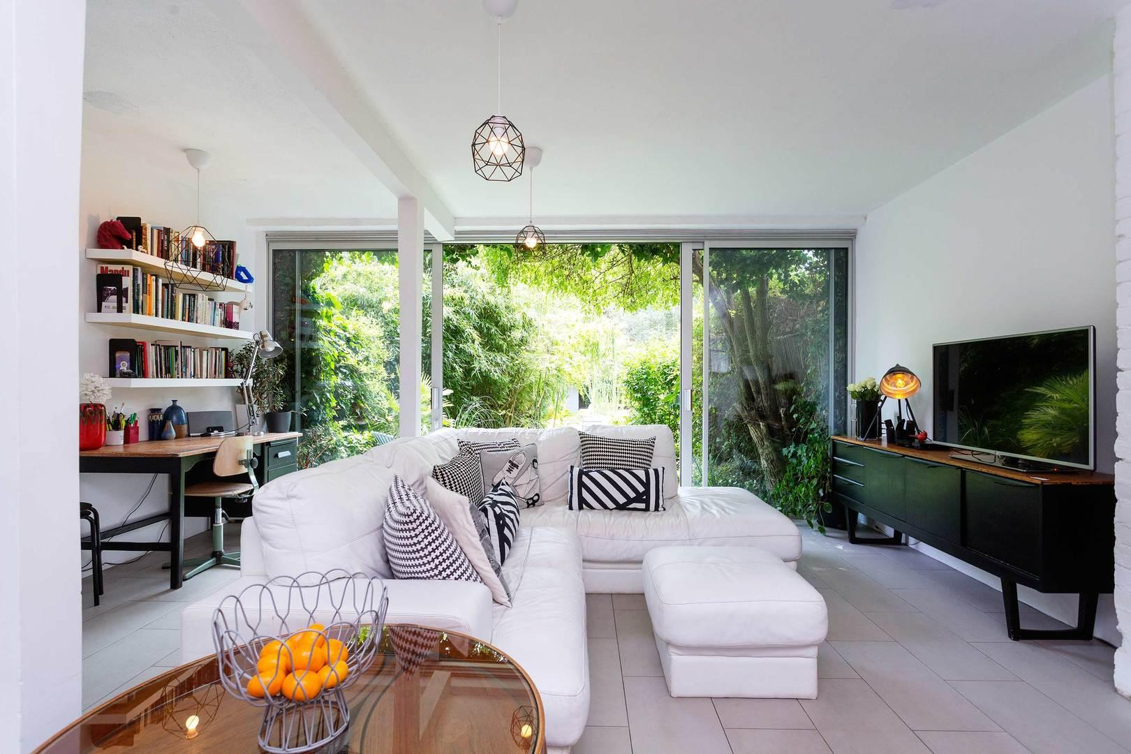 Property Image 1 - Fashionable Arty Dalston Home with Attractive Garden
