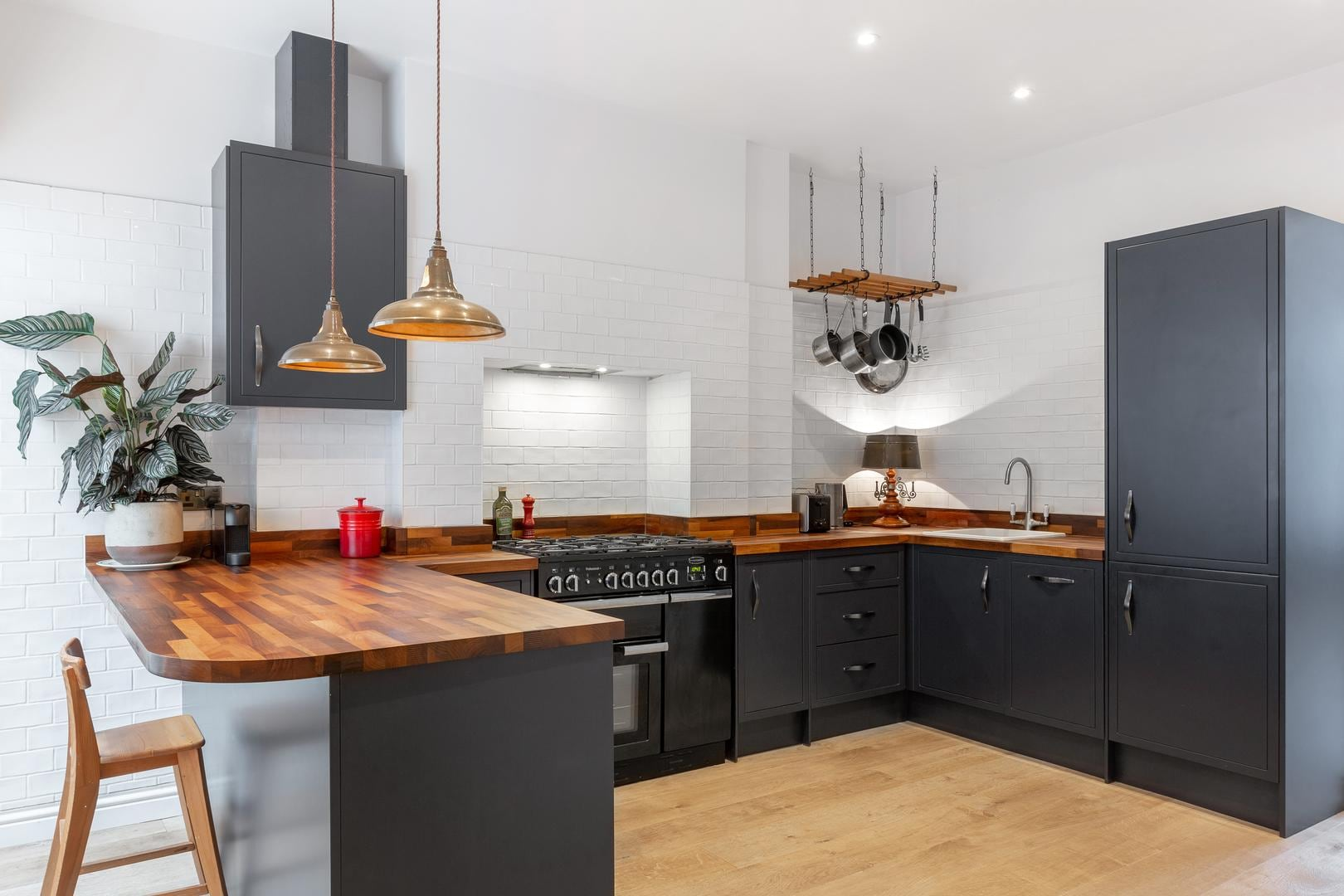 Property Image 1 - Flawlessly Elegant Apartment in Tufnell Park near Tube