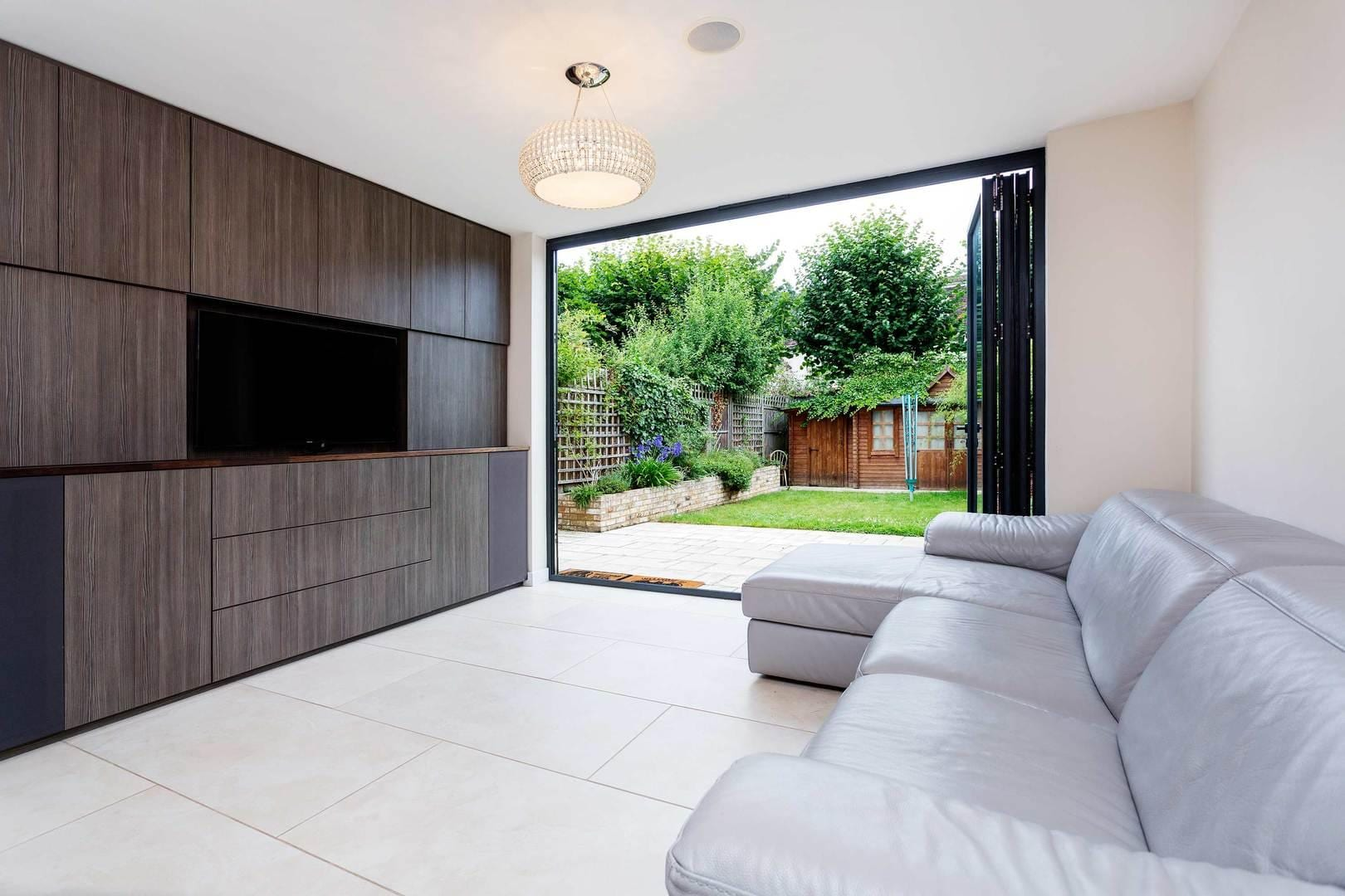 Property Image 2 - Modern Minimalist Wimbledon Home with Spacious Interior