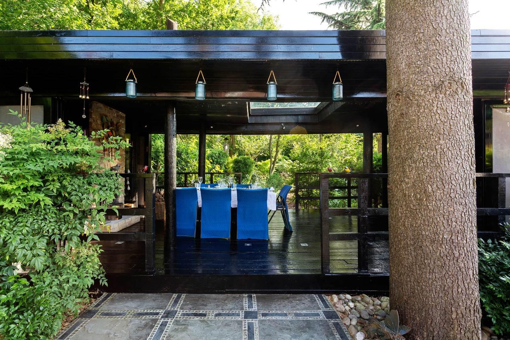 Property Image 1 - Distinctively Chic Willesden Home with Garden Pavilion