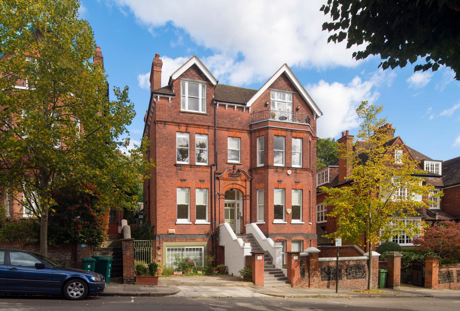 Property Image 2 - Impressive Hampstead Home with Stylish Interior by Tube