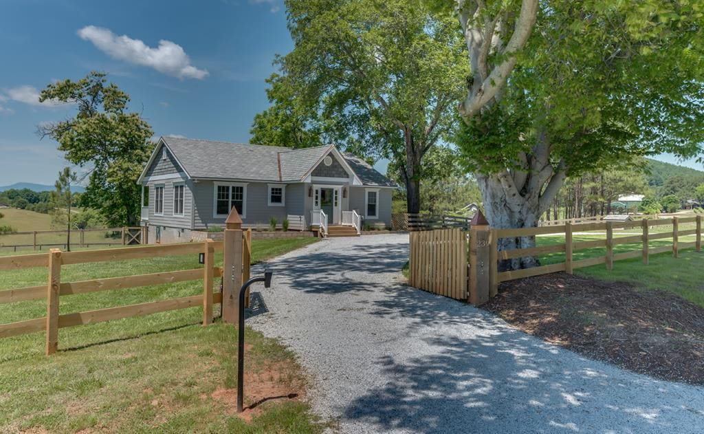 A True Equestrian Property in the Foothills of the Blue Ridge Mountains